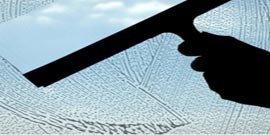 Чем чистить матовое стекло и как его не испортить?