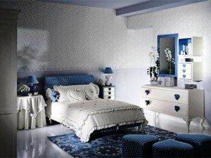 Несколько советов, какие обои лучше клеить в спальне