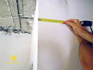 На фото - как закруглить угол стены