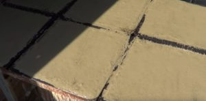 Наполненные цементным раствором формы