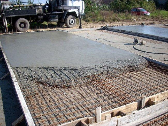 Как залить бетонную плиту