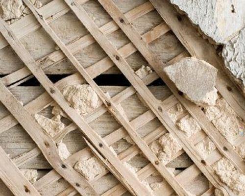 Оштукатуривание деревянных стен своими руками