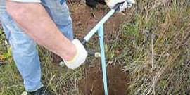 Ручной бур для земляных работ – как создать его из подручных средств?