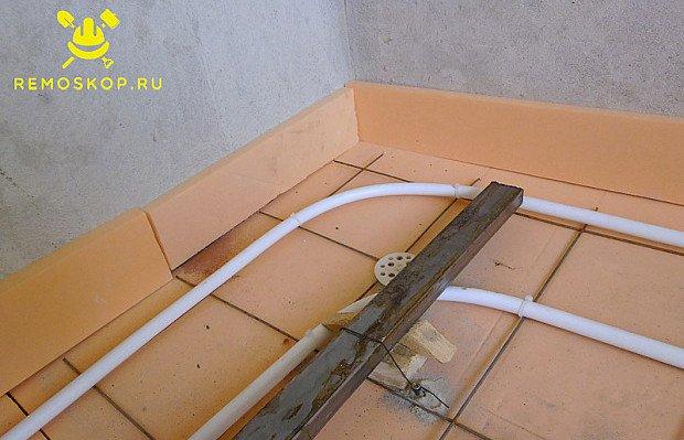 Делаем термошов по периметру помещения