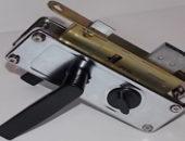 Фото - Врезной замок с ручкой как один из механизмов защиты