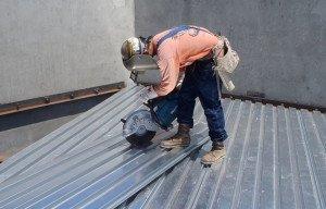 На фото - как правильно резать металл бензорезом, stenorezy.ru