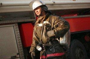 На фото - пожарный пояс с карабином, odintsovo.info