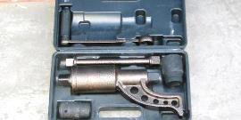 Ручной гайковерт – какими возможностями обладает такой механизм?