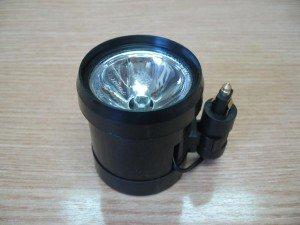 На фото - переносная лампа на магните, auto-light-today.narod.ru