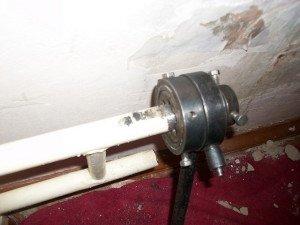 Как с помощью инструмента нарезать резьбу на трубе? фото