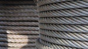 На фото - выбор стального троса, kanpro.ru