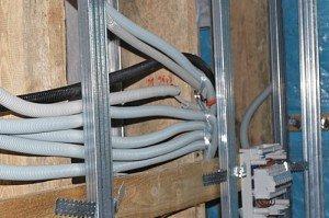 Фото электропроводки в каркасном доме, remchel.ru