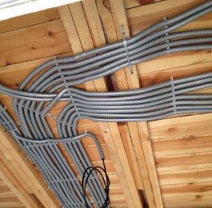 Фото скрытой электропроводки в деревянном доме, kbtm.ru