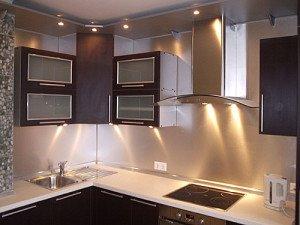 На фото - электропроводка для бытовой техники на кухне, euroremontu.ru