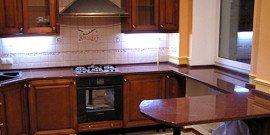 Столешница-подоконник как дополнительная рабочая поверхность на кухне
