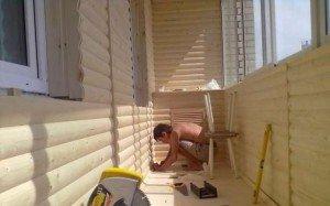 Фото обшивки балкона блок-хаусом, obalkonah.ru
