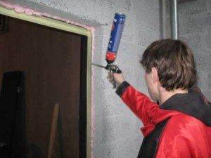 Фото заделки швов противопожарной монтажной пеной, sgk-urep.ru