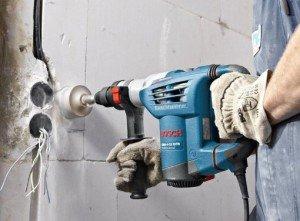 Фото штробления стены под проводку перфоратором, greensector.ru