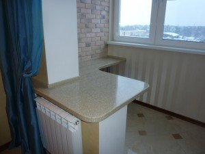 Фото стола-подоконника из искусственного камня, akrillian.ru