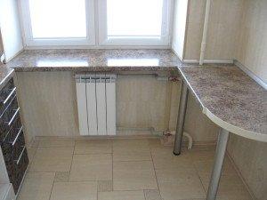 Фото стола-подоконника из МДФ, shkaf-kupe-spb.ru