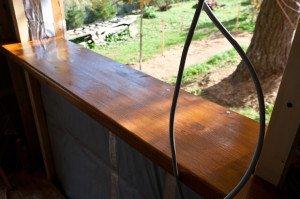 Монтаж деревянного подоконника – стоит ли затевать? фото