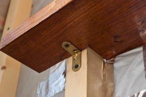 Фото крепления деревянного подоконника, sekret-remonta.ru
