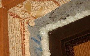 Фото необработанных откосов входной двери, rems-info.ru