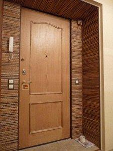 Фото установки на двери откосов из листового материала, osnovam.ru