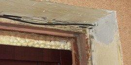 Отделка откосов входной двери – как облагородить и защитить проем?