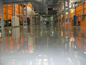 Фото наливного полиуретанового пола на промышленном предприятии, polnaliv.ru