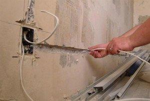 На фото - местонахождение электропроводов в стене, remontset.ru