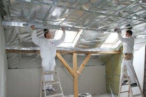 На фото - изоляционные материалы для крыши мансарды, muratordom.com.ua