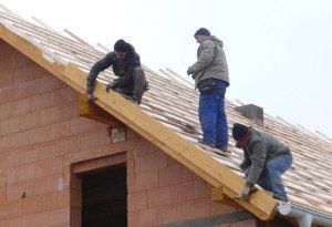 Фото строительства каркаса крыши мансарды, krovlyamsk.ru