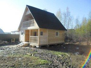 Дачный домик 6х4 с мансардой – маленькая усадьба фото