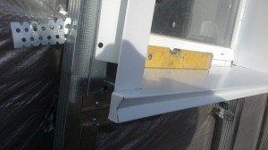 Фото наружных откосов на окна из металла, krainamaystriv.com