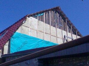 Как утеплить фронтоны мансарды – типы изоляций