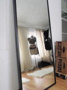 Фото покупки зеркала во весь рост, domosedi.ru