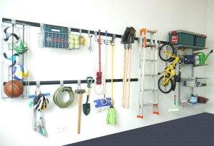 Фото хранения вещей в гараже с мансардой на крюках, orgspaceshop.ru