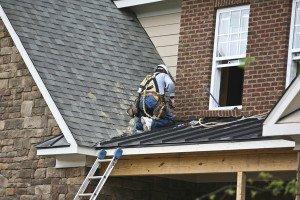 Фото устранения проблем с протекающей крышей, zbestroofing.com