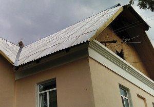 Фото монтажа крыши из волнового шифера, roofplace.ru