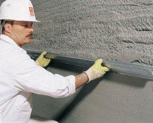 Фото нанесения стартовой шпатлевки для стен, шпаклевка.com