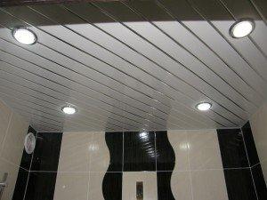На фото - светодиодные светильники для реечных подвесных потолков, stoydiz.ru