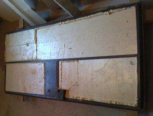 На фото - крепление пенопласта для утепления входной железной двери, pro-uteplenie.ru