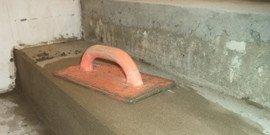 Отделка лестницы в доме – выравниваем ступени цементом