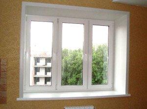 На фото - ПВХ-откосы окна, dobrion.ru