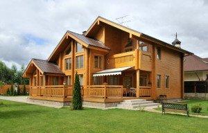 Фото дома из древесины, stroikairemont.com