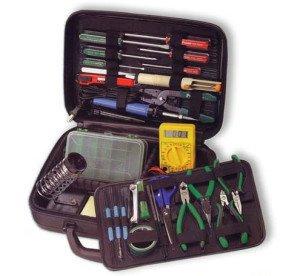 На фото - инструмент для проведения электропроводки в квартире, energomir.net