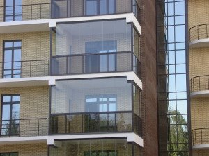 Фото установки больших окон во всю высоту стен, build-experts.ru