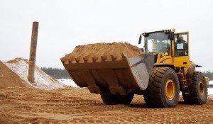На фото - строительный песок, remontnic.com