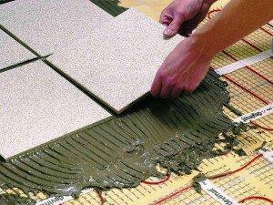 Фото клеевого состава для укладки плитки на теплый пол, pro-dvigay.ru